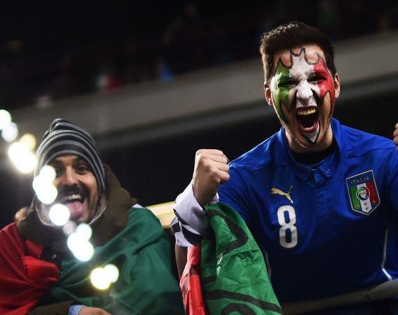 Fani în tribune la EURO 2020!